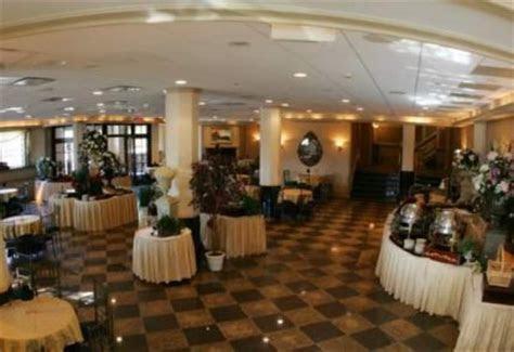 V.I.P. Country Club ? New Rochelle, NY, 10805