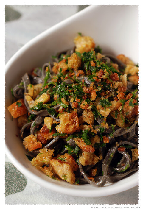 squid ink spaghetti© by Haalo