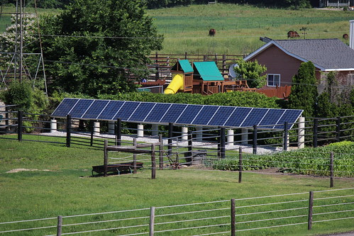 IMG_0269_Solar_Panels_on_Amish_Farm