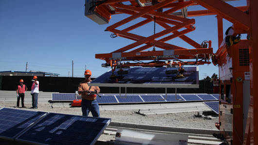 A Staff of Robots Can Clean and Install Solar Panels - NYTimes.com