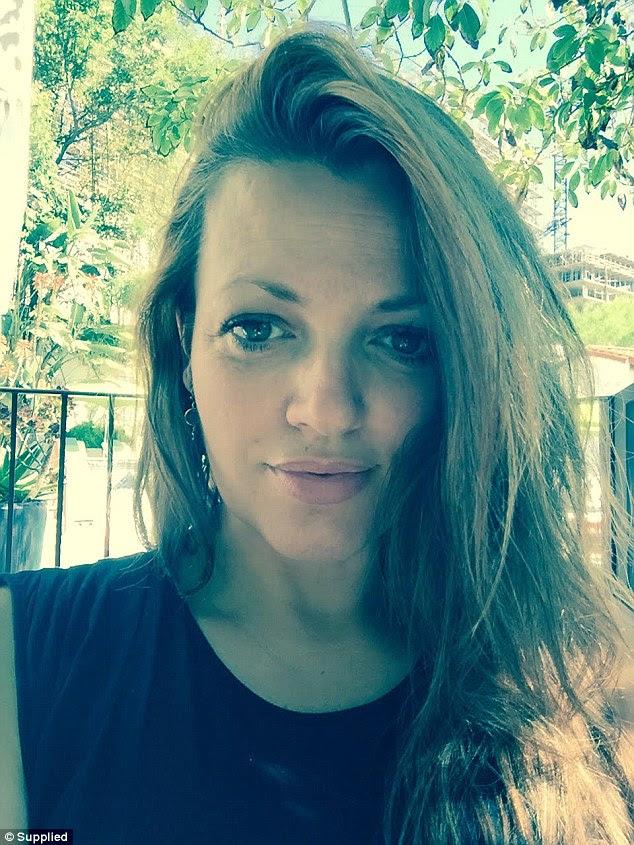 Johannah trabalhou como parteira e um assistente de TV durante a sua carreira