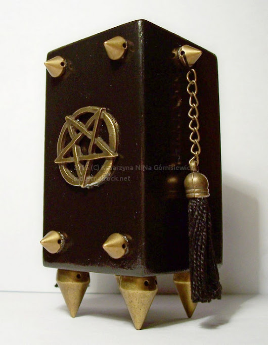 Black metal tealight holder with studs pentagram by Dragonsblow