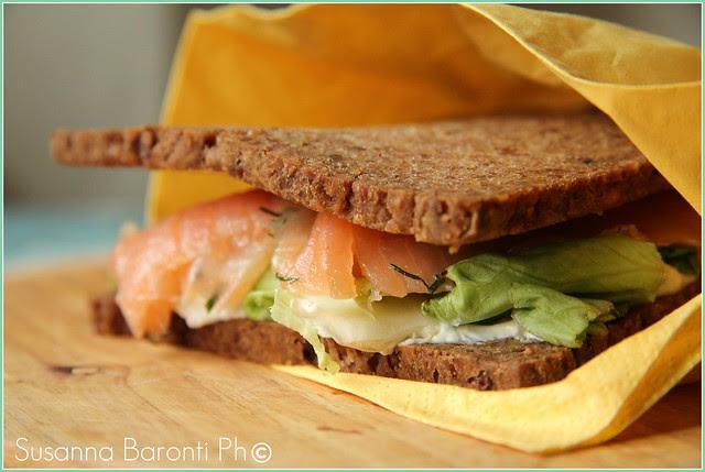 "Sea sandwich with ""lax Gravad"""