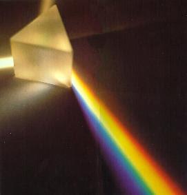Prisma descomponiendo la luz - www.pedroamoros.com-