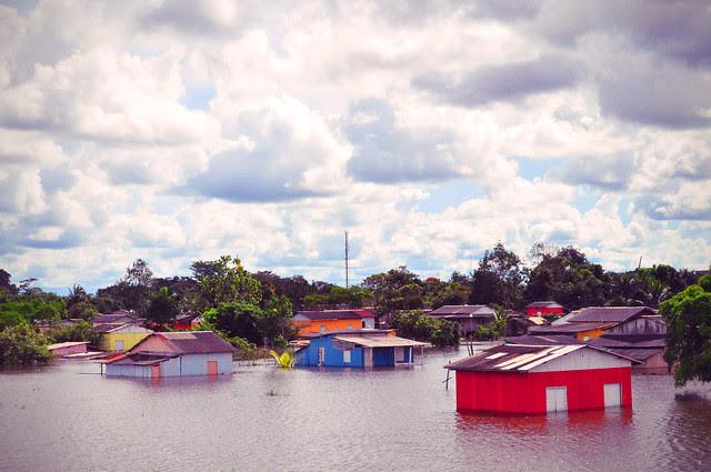 Rio Branco, 17/04/2011. Alagação no bairro 6 de agosto.