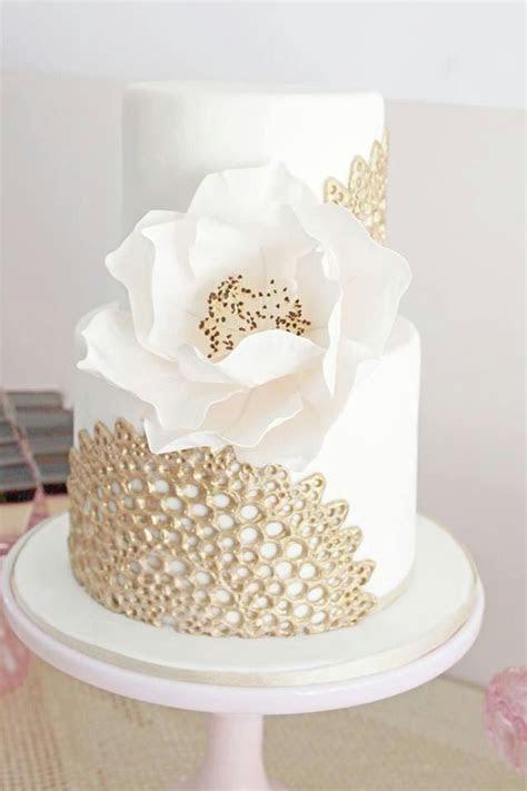 Wedding Nail Designs   Gold Lace On Ivory Wedding Cake