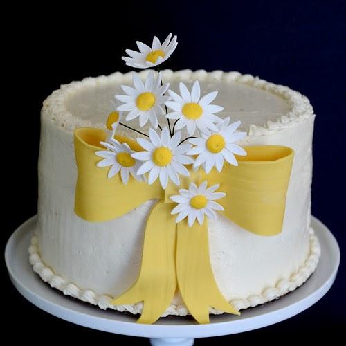 Bourbonnatrix Bakes: Oopsy Daisy Cake
