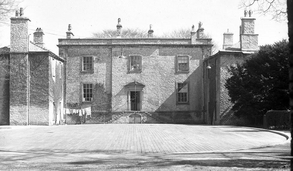Manor house with dancefloor