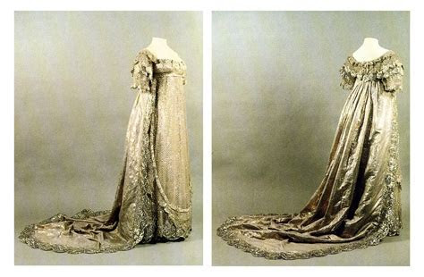 Princess Charlotte's wedding dress front and back   Grand