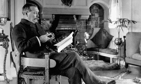 Sir Arthur Conan Doyle smoking a pipe