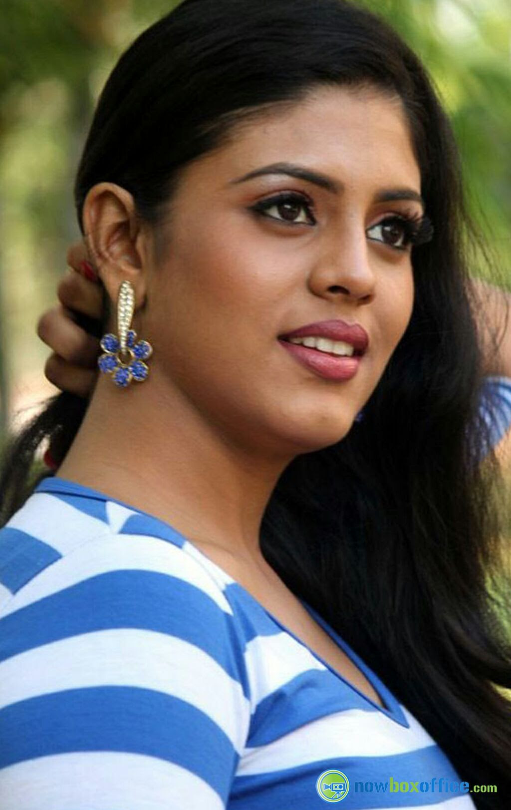 Shruti Sawant stage name Iniya South Indian Film Actress and Model most hottest and beautiful pics