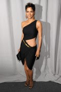 Halle Berry Photos at Fifi Awards 2011