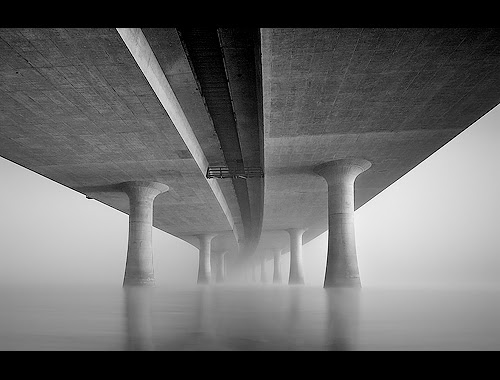 Foggy Morning Under The I-205 por navdog