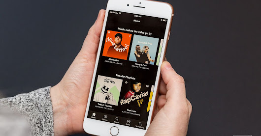 Spotify is trying to lure artists into licensing their music directly