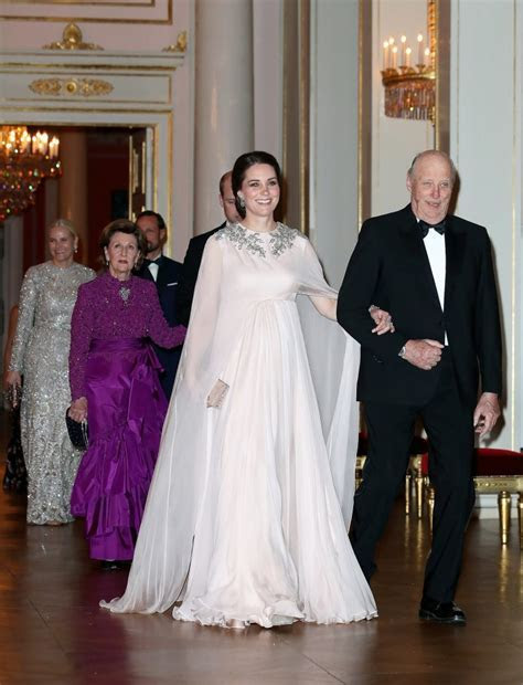 Kate middleton second wedding dress   Find the best dress