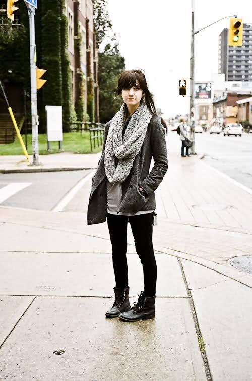Cute scarf/outfit.#FallintoAutumn