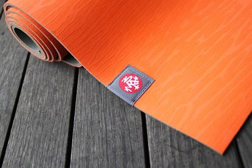 Best Yoga Mat for Beginners - 3 Top Mat Reviews - Stress Relief for Mothers