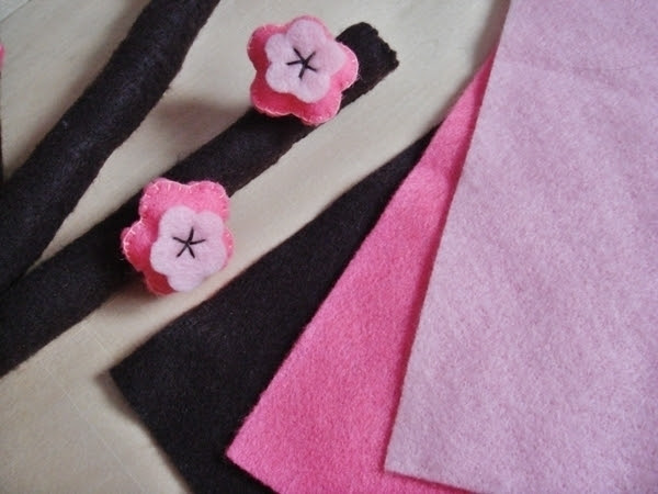 Happy Chinese New Year : Felt Cherry Blossoms {Tutorial}