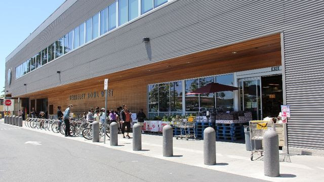 Image result for Berkeley Bowl grocery store