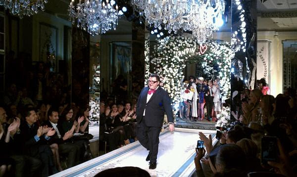 16 Alber Elbaz taking a bow at the Lanvin-H&M Fashion Show!