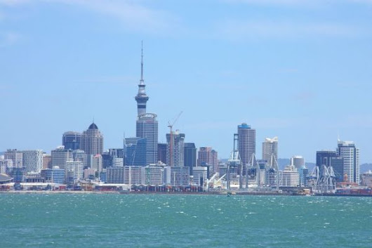 North Island, New Zealand with Auckland Zoo / Bethells Beach / Sky Tower