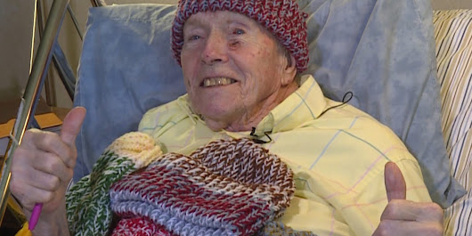 91-year-old man knits hats for the homeless