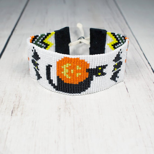 Halloween Cat and Pumpkin Bracelet  Holiday by SKBeadedJewelry