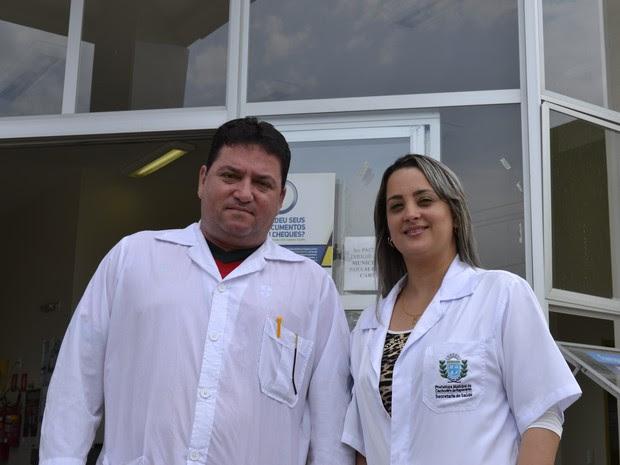 Marileidys e Alberto atendem juntos em unidade de saúde de Cachoeiro de Itapemirim (Foto: Viviane Machado/ G1)