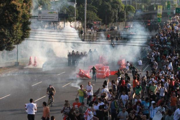 Gás lacrimogêneo e balas de borracha contra manifestantes no Maracanã JADSON MARQUES/ESTADÃO CONTEÚDO/ESTADÃO CONTEÚDO