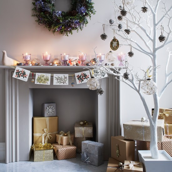 Mantelpiece card display | Homemade Christmas ideas | PHOTO GALLERY | Housetohome.co.uk