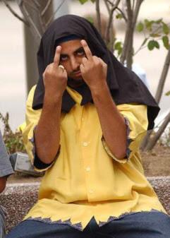 muslimgivingthefinger.jpg