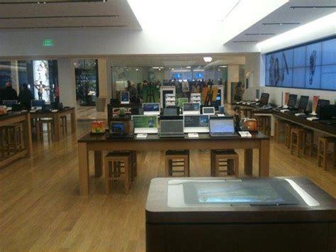 microsoft store mall  america retail customer experience