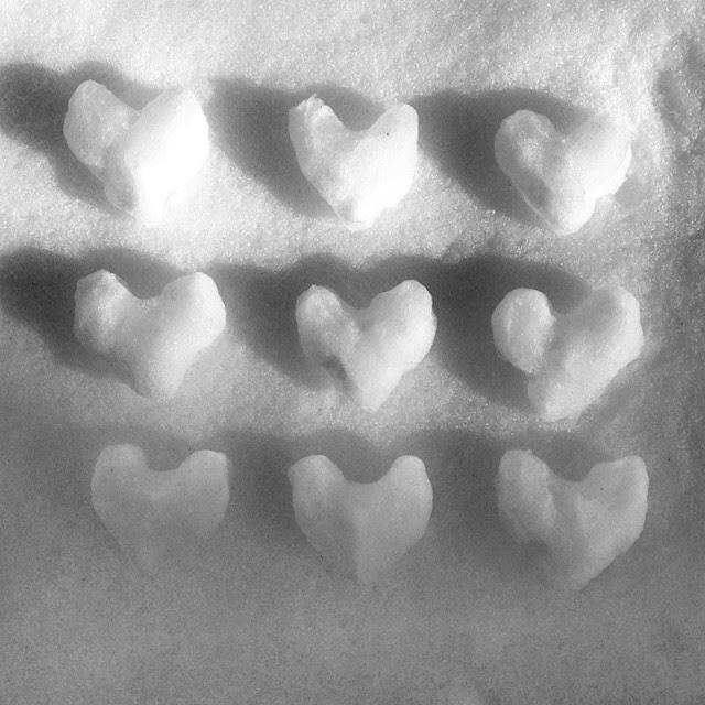 Heart shaped snowballs