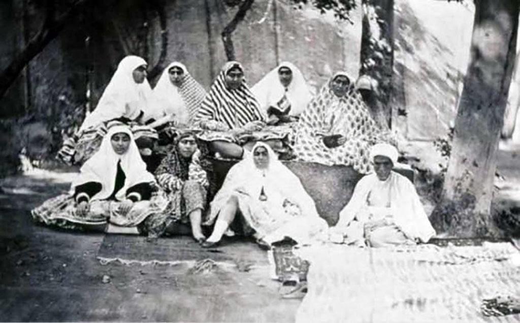 Assim eram as 100 concubinas do harém do Xá de Pérsia no Século XIX 07