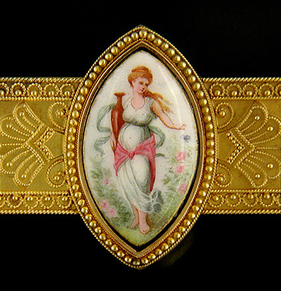 Victorian brooch of Flora, the Goddess of Spring. (J3062)