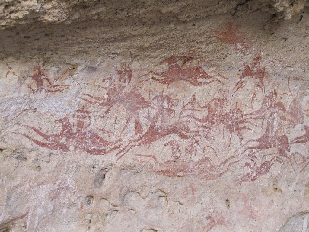 Terkei. Pinturas en la cueva de la cara oeste  'Caballos voladores'