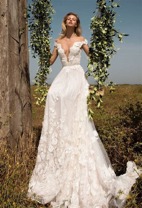 The 6 Best Bridal Boutiques in Edinburgh   OneFabDay.com