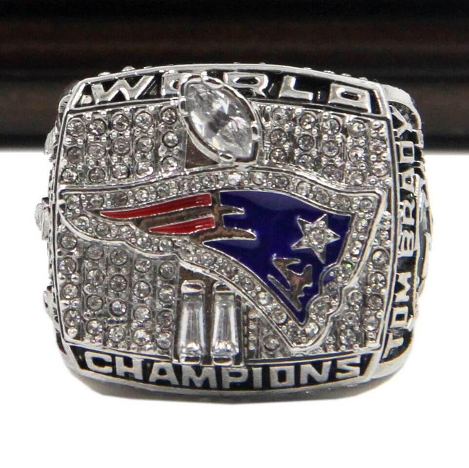 NFL 2001 Super Bowl XXXVI New England Patriots Championship Replica Ring With Plaque