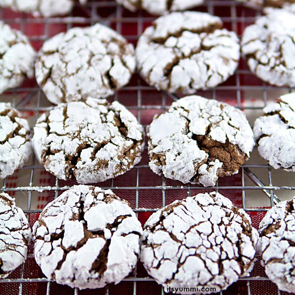 Chocolate Gingerbread Crinkles {Easy Cookie Recipes}