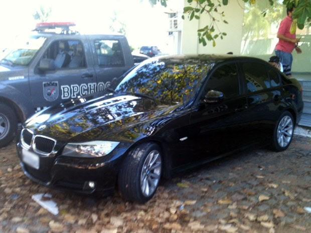 BMW foi apreendida em poder de Thiago Padeiro nesta terça, em Natal (Foto: Leonardo Melo/G1)