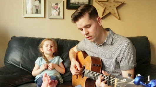 You've Got a Friend In Me - LIVE Performance by 4-year-old Claire Ryann and Dad - YouTube