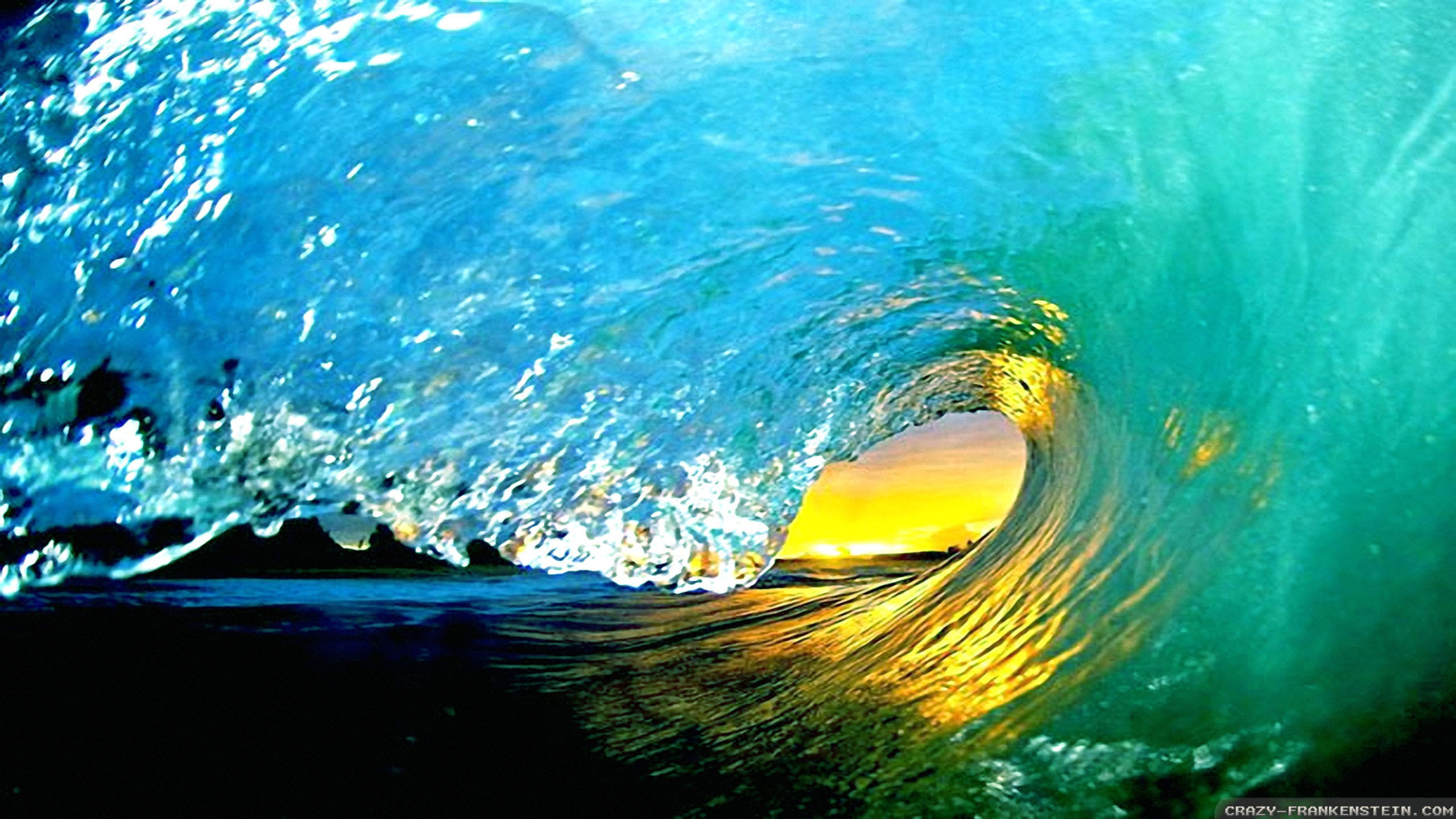 amazing summer waves wallpapers 2560x1440
