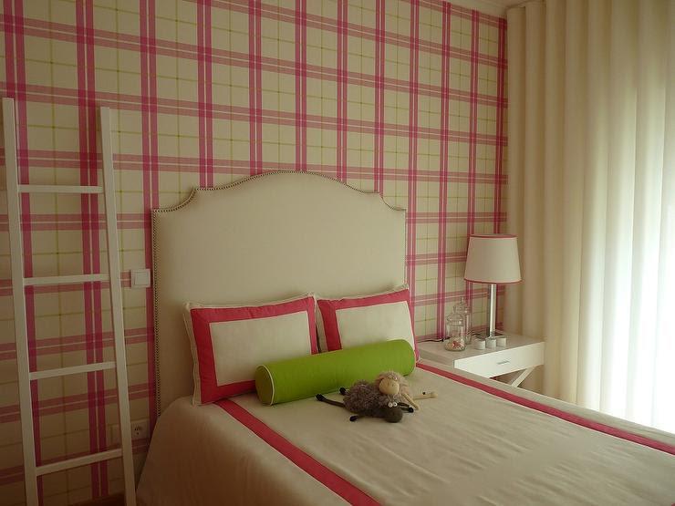 Pink Plaid Wallpaper - Contemporary - girl's room - Blanco Interiores