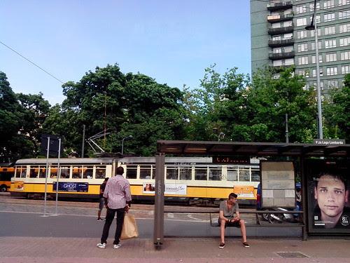 Fermata tram, Piazza Lega Lombarda by Ylbert Durishti