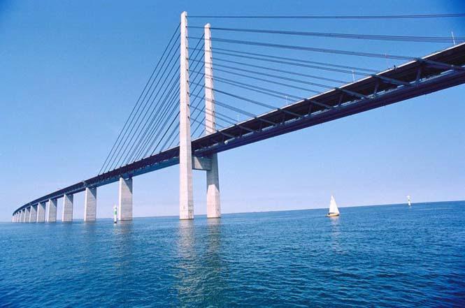 Αυτή η καταπληκτική γέφυρα μετατρέπεται σε τούνελ και συνδέει την Δανία με την Σουηδία (12)