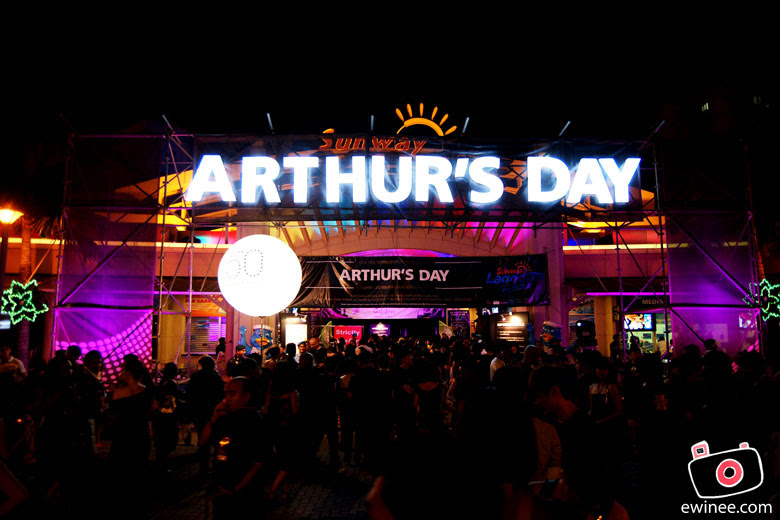 Arthurs-Day-Lagoon-Entrance