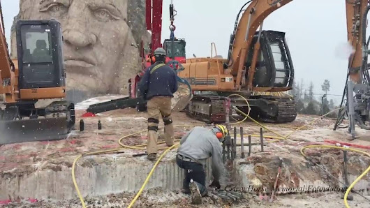 Crazy Horse Memorial meets the Kenco RockLift - Kenco