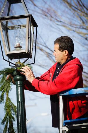 Christmas in Edgartown, Bob Bassett, Tom Bassett, Christmas display in Edgartown