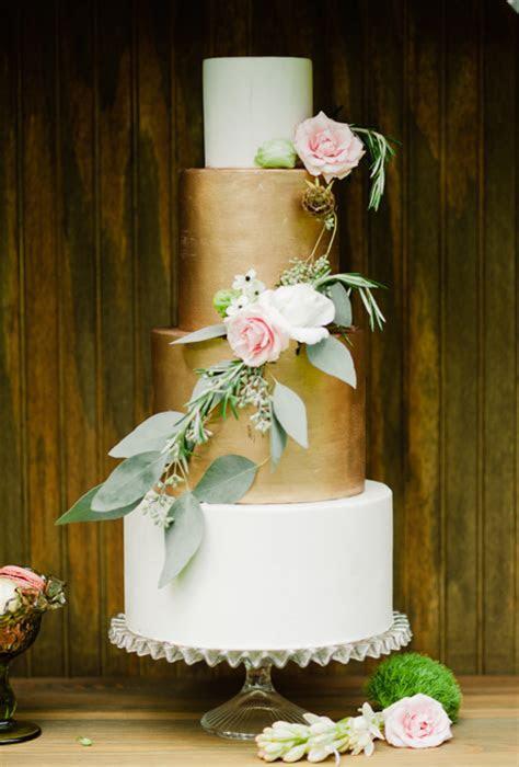 Ten Elegant Wedding Cakes   Cakes, Favours & Guest Books