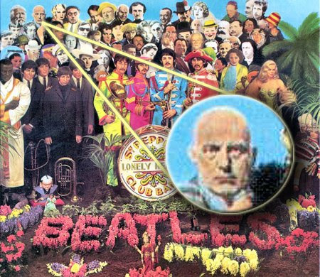 Crowley sobre el sargento de los Beatles.  La cubierta del álbum Lonely Hearts Club Band Pepper
